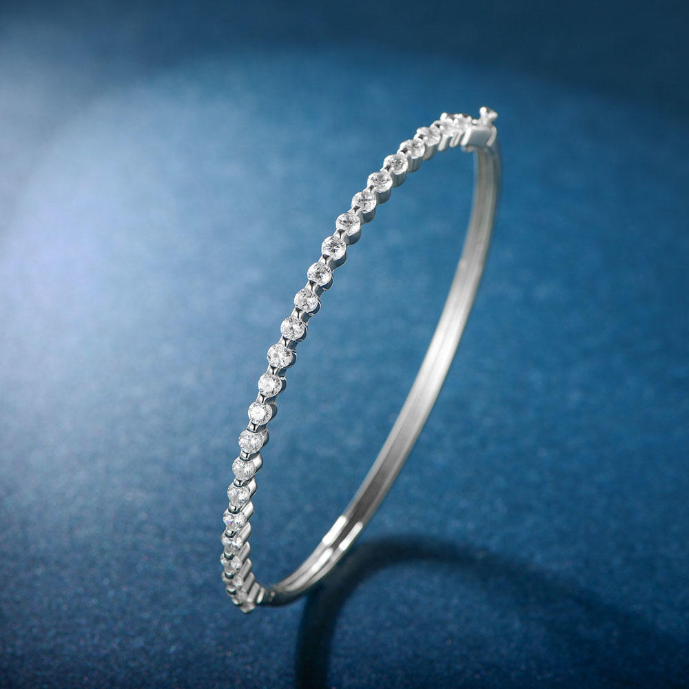 Classical Bangle with Cubic Zircon 51358