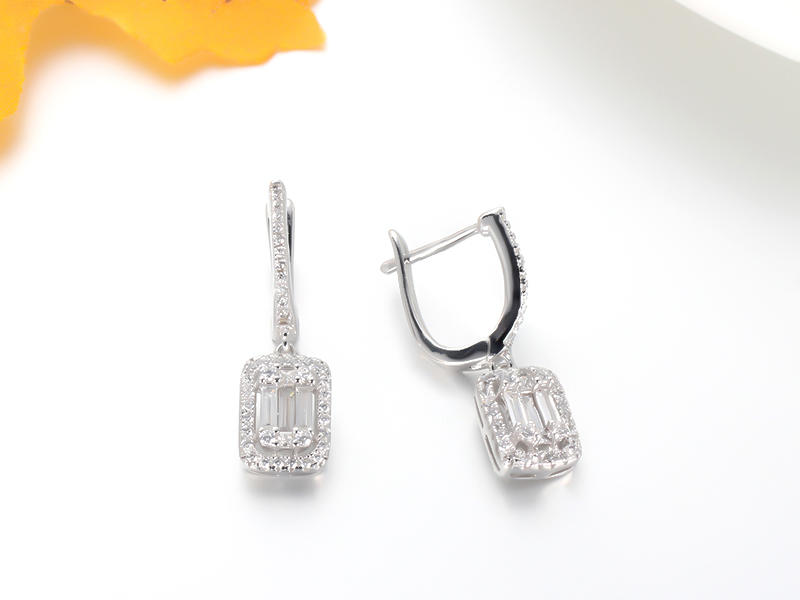 925 Sterling silver baguette earrings 85175