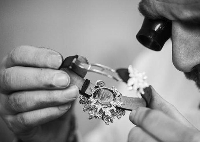 Crystal Vintage Style bangle Three Tone Open End Bracelet For Women 51044 Kirin Jewelry