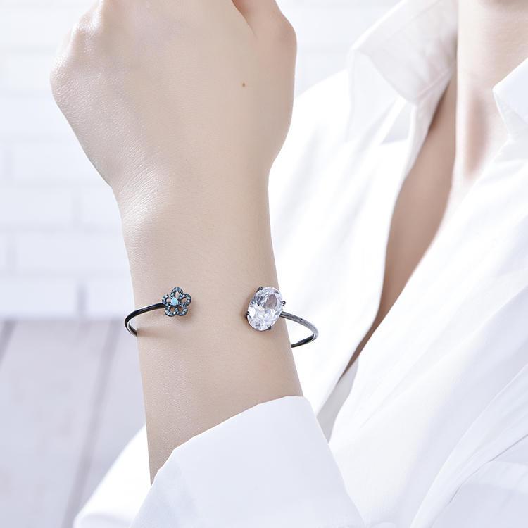 Women white crystal blue flower shape black gold-plated simple silver bracelet